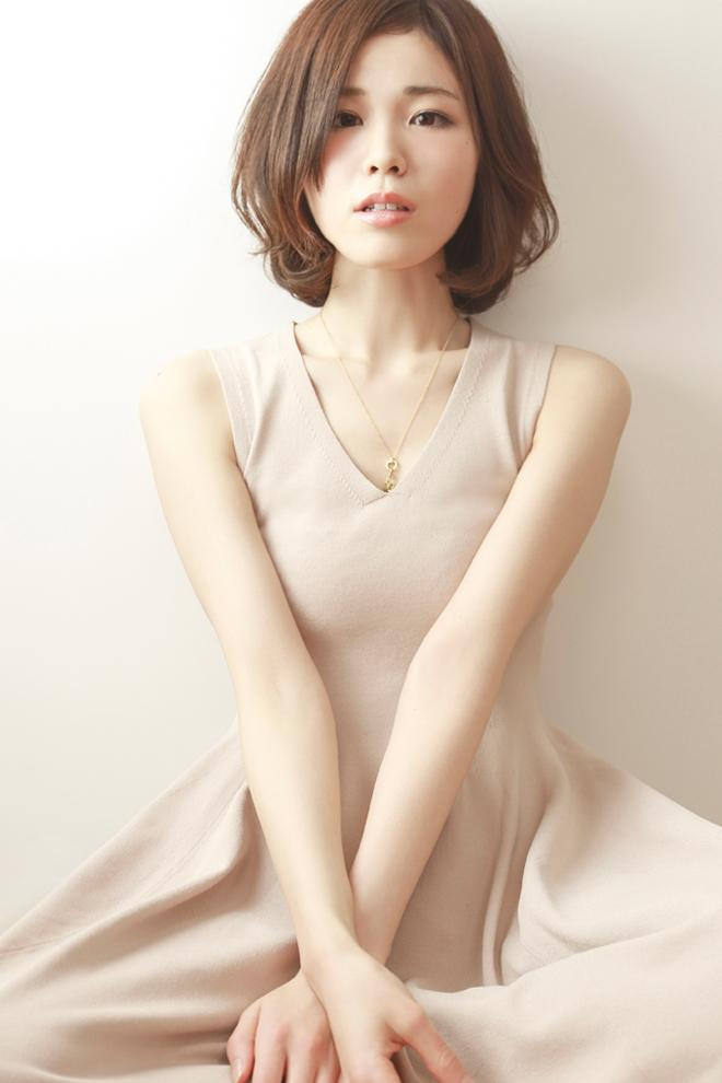 モデル「SHIORI」